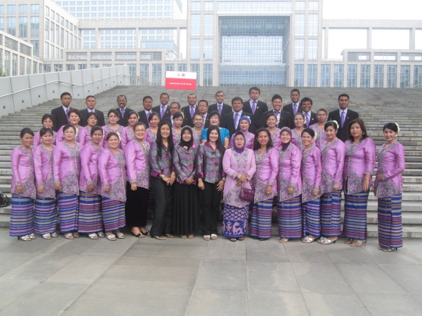 Indonesia PLN Stylish Choir before appearing on the evening of friendship, 16st of July 2012, Beijing - China